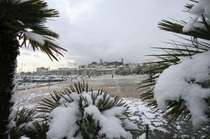Cannes Le Suquet under the snow