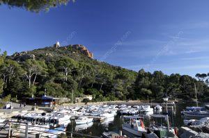 Cap Dramont, port du Poussaï